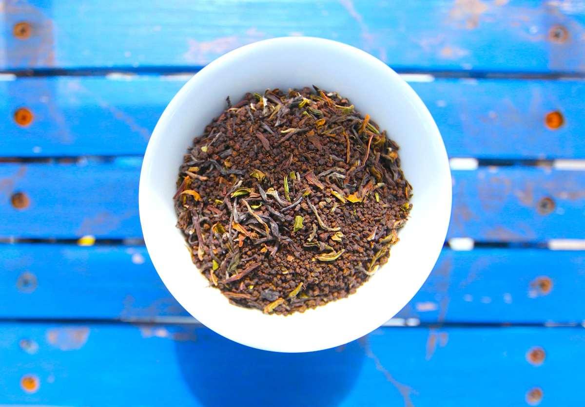 25 Reuses For Tea Leaves Pioneering The Simple Life